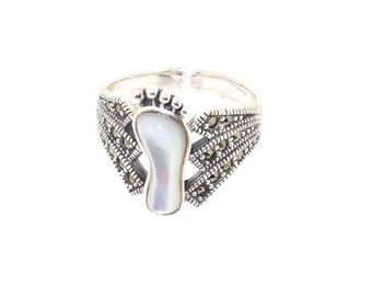 Baby footprint Ring Mother of Pearl Silver Marcasite