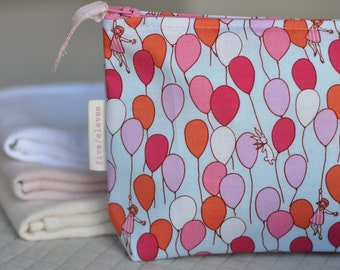 Balloons pouch with Michael Miller Sarah Jane fabric. Hand made pouch. Make up pouch.