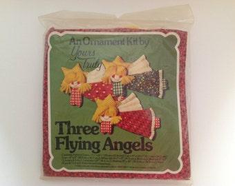 Ornamental Kit Three Flying Angels
