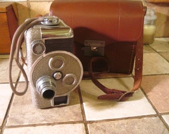 Vintage Revere 8mm Movie Camera, Model B-63, Great Condition, Winder Works!