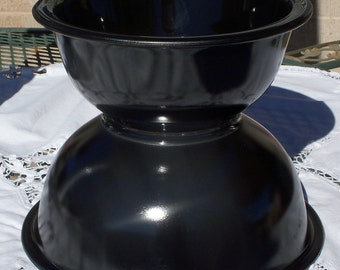 Pyrex Black Bowls with Clear Bottoms - 322 & 323