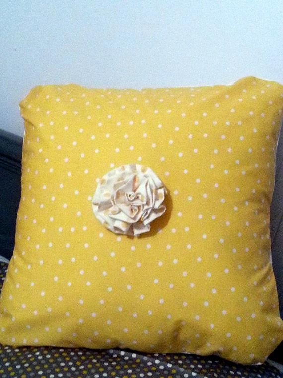 Yellow poka dot pillow case for Dayroom yellow bedroom
