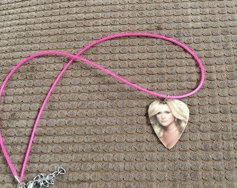 Miranda Lambert guitar pick necklace, guitar pick, miranda lambert,