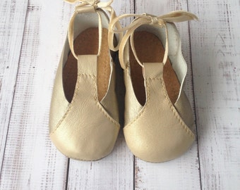 Soft Leather Mary Jane Shoes for Baby Girls - Soft soled Mary Jane - Soft soled infant shoes - Soft sole Crib shoes - Little Girl Party Shoe
