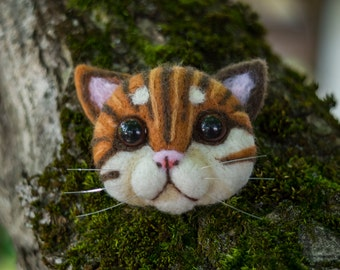 kitty head brooch