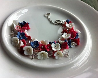 Floral bracelet. Bracelet with flowers. white pink blue. Clay flowers. Charm bracelet. Floral jewelry. Polymer clay jewelry. MADE TO ORDER