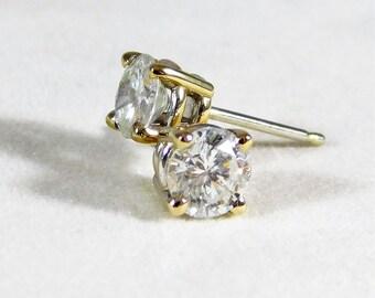 1.03tcw Brilliant Cut Round Diamond Stud Earrings