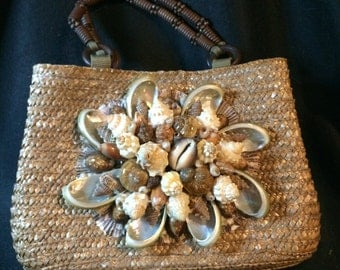 Great SUMMER SEASHELL  Wheat Straw Purse by Shell Shocked