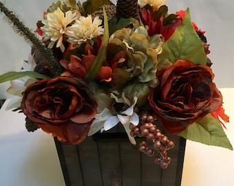 Beautiful Rustic Autumn/Everyday Silk Floral Arrangement In Warm Neutral Tones (C)