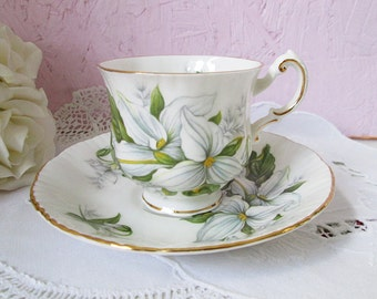 Vintage Paragon tea cup and saucer, Trillium, English tea cup, fine bone china