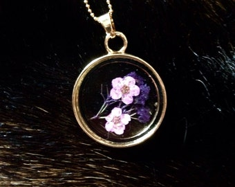 Floating dried floral pendant necklace