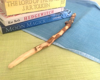 A beautiful handmade Hawthorn wooden wand, approx 33cm long. Made from Hawthorn wood found in Warwickshire, England.