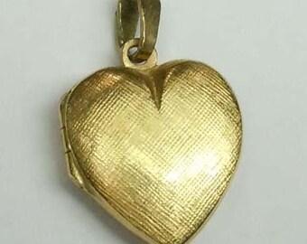 14Kt Gold Satin Finish Puffy Heart Locket Pendant charm