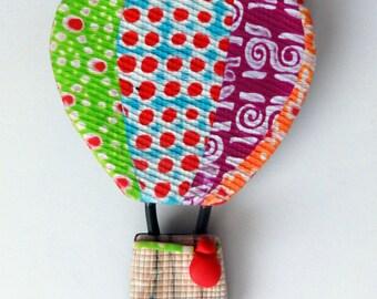 Pin hot air balloon.