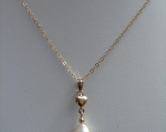Gold chain, 585 gold filled with Akoya pearl and sweet hearts