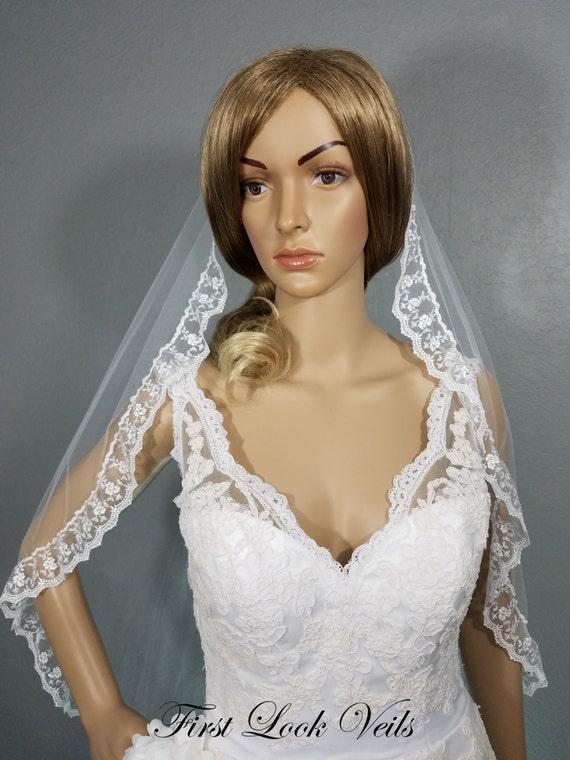 White Wedding Veil, Bridal Waist Veil, Lace and Crystal Veil, Floral Lace Veil, Wedding Vail, Bridal Atttire, Bridal Accessory, Bride, Gift