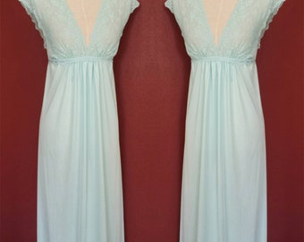 Lace Bodice Empire Waist Nightgown/Limpet Shell Blue/1950s/1960s/Small/50s Nightgown/Nylon Nightgown/50s Nightie/Long Nightgown