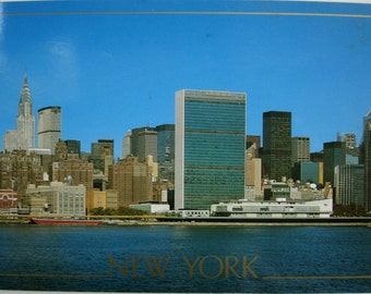 Vintage USA postcard. 1988.Collectible.Ephemera.Stationery.Rare USA postcard.Printed in Japan. New York postcard. Retro New York.