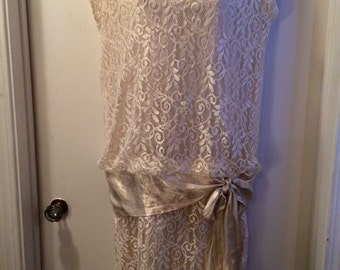 Vintage 1970's Formal Ivory Lace Flapper Inspired Dress SIZE 11/12