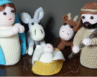 Crochet amigurumi crib (Christmas scene)