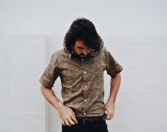 Vintage Pastel Paisley 70s Style Short Sleeve Button Up Dress Shirt! 90s Grunge Pattern Shirt