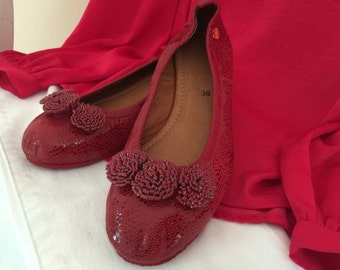 Red flat shoes, women shoes, girls shoes, ballerinas, ballets