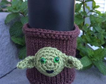 Star Wars Yoda cup cozy, hand knit/crocheted