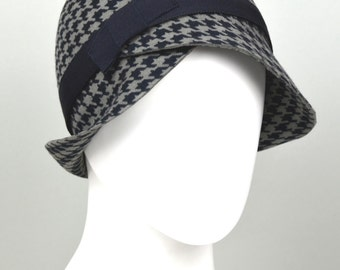 "Cloche hat, wool felt, vintage style, houndstooth, winter hat, 20ies style, ""LOU"""