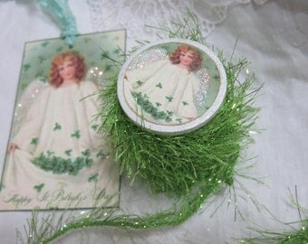 6 yards Green Tinsel Glitter Eyelash Twine, DISCONTINUED, GET IT Before Its Gone, Wood Spool,Crafts, Decorations, Scrapbook, Sew, Knit, Yarn
