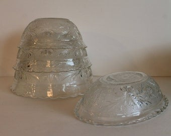 Anchor Hocking Sandwich Crystal Patterned Scalloped Rim Nesting Bowl Set with Oval