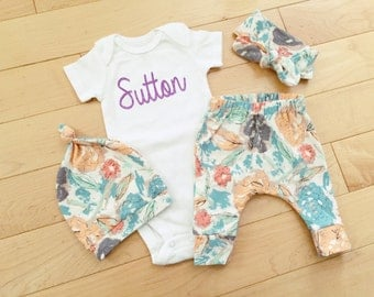 Baby Girl Coming Home Outfit / Floral / Knot Hat / Knot Headband / Custom Name