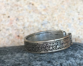 antiqued silver woman Adjustable ring (ring)