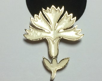 Signed Coro Gold Tone Flower Brooch Pin 9363
