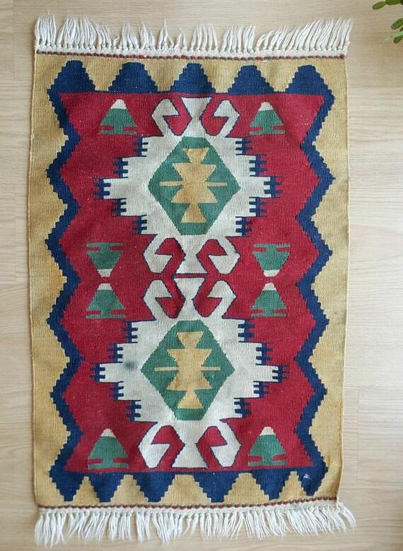 Vintage handwoven kilim rug 100% wool rug Small hand woven kilim decorative Wall hanging handmade turkish rug Anatolian style