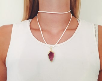 White Suede/Gold Electroplated Purple Arrowhead Pendant Choker Wrap Necklace