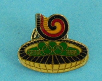 1988 Seoul Summer Olympics Stadium Souvenir Pin with Olympic Rings, Olympics Collectible Pin, Seoul Olympics Souvenir, Souvenir Hat Pin