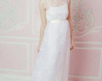 "Wedding dress ""Snowing"": wedding gown with short sleeve"