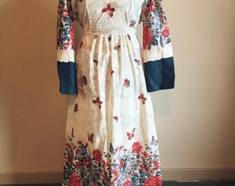 vintage 1970s boho dress // bell sleeves // big floral