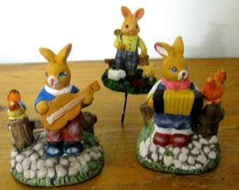 Vintage rabbit decoration figurine family Bunny rabbit figurine ceramic Germany Bavaria vintage music play concert rabbit
