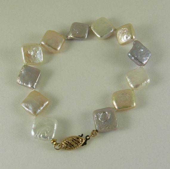 Freshwater Pearl Bracelet with 14k Yellow Gold Clasp