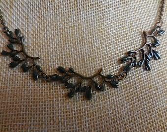 Collar leaves fall