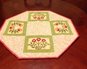 Quilted Flower Octagon Table Topper