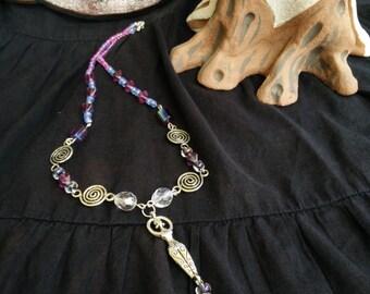 Spiral Goddess - collana necklace goddess feminine viola rosa purple pink cristalli crystals spiral dea goddess pagan witch redtent wicca