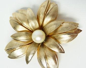 Vintage Flower Pearl Brooch Signed Giovanni