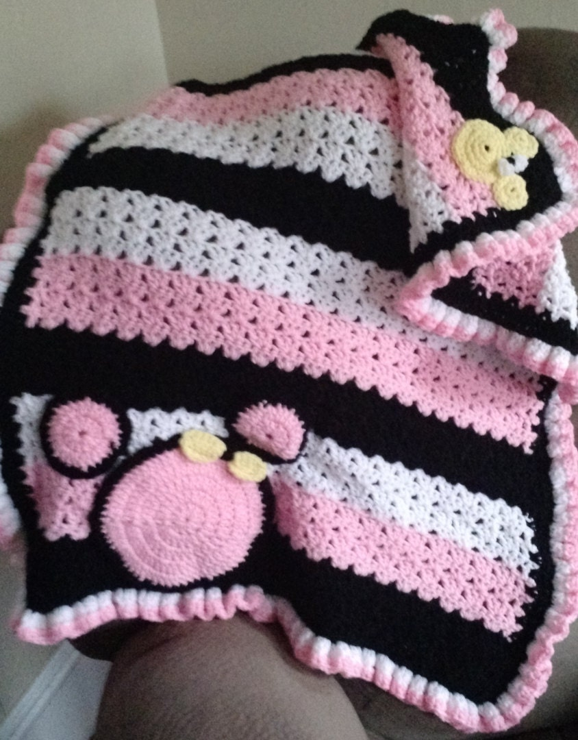 Crochet Pattern For Minnie Mouse Blanket : Crochet Minnie mouse baby blanket by Craftedbydoreen on Etsy
