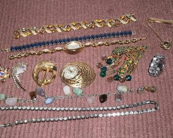 12 Piece Vintage Jewelry Lot