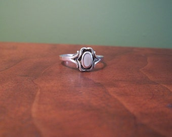 Vintage Sterling Silver and Moonstone Ring - Size 9