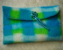 hand made felted toiletry, fresh colors, lined and a snap closure with fantasy button with beads