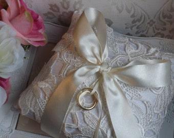 Lace Ring Pillow, Silk Ring Pillow, Ring Bearer Pillow, Wedding Ring Pillow, Silk Ring Cushion, Ivory Ring Pillow