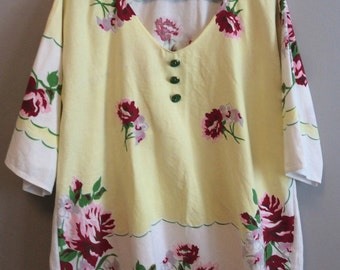 L/XL Tunic - Yellow & White with Red Flowers